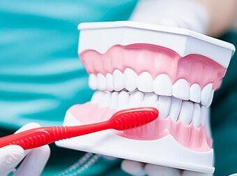 oral-dentist-2
